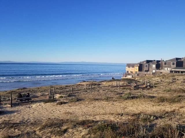125 Surf Way 342, Monterey, CA 93940 (MLS #ML81848286) :: Compass