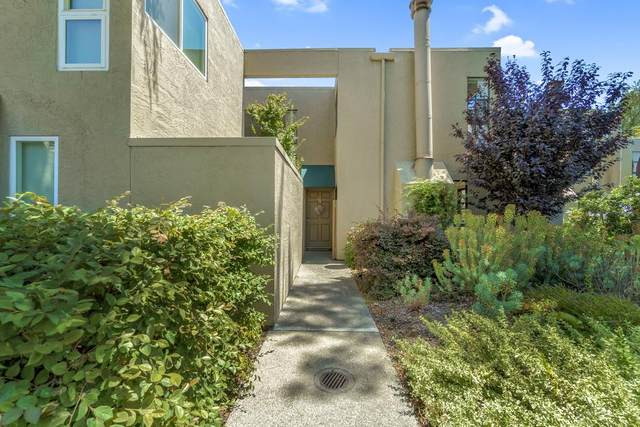 2001 Alameda De Las Pulgas 174, San Mateo, CA 94403 (#ML81855233) :: The Gilmartin Group
