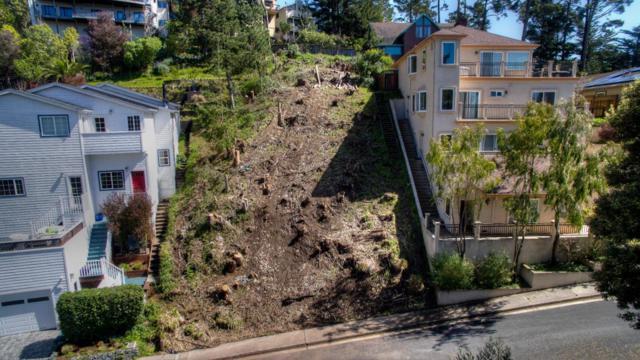648 Isabella Ave, El Granada, CA 94018 (#ML81644356) :: The Kulda Real Estate Group