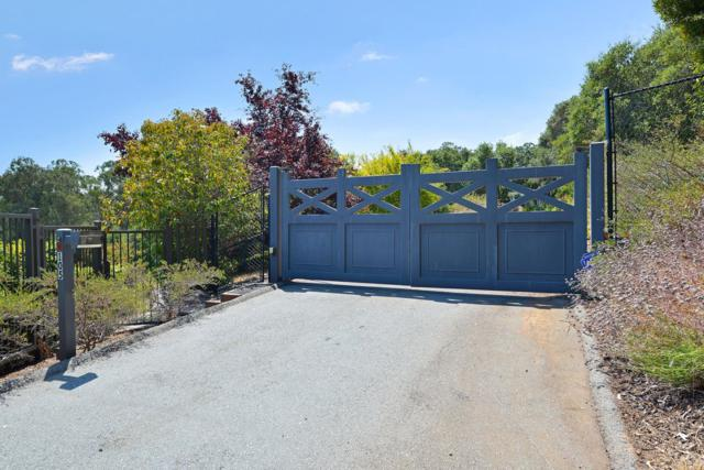 105 Bella Vista Dr, Hillsborough, CA 94010 (#ML81672625) :: The Gilmartin Group
