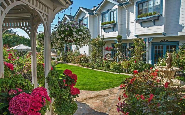 615 Mill St, Half Moon Bay, CA 94019 (#ML81680114) :: The Kulda Real Estate Group