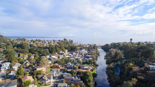 523 Riverview Dr, Capitola, CA 95010 (#ML81684586) :: Michael Lavigne Real Estate Services