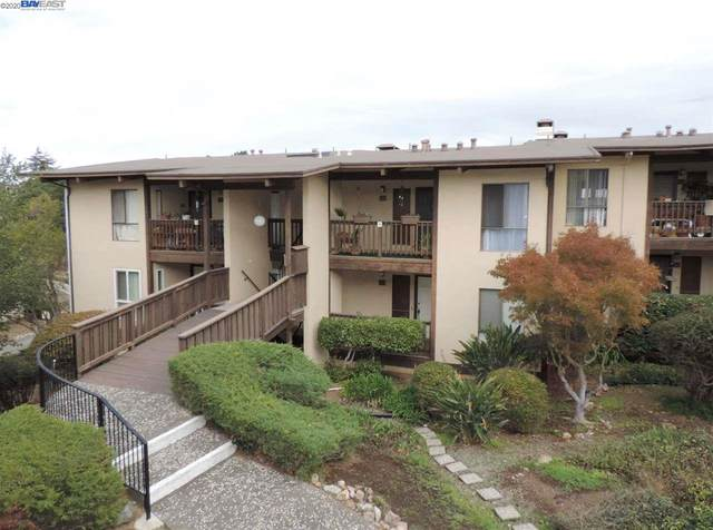 19100 Crest 18, Castro Valley, CA 94546 (#BE40924050) :: The Realty Society