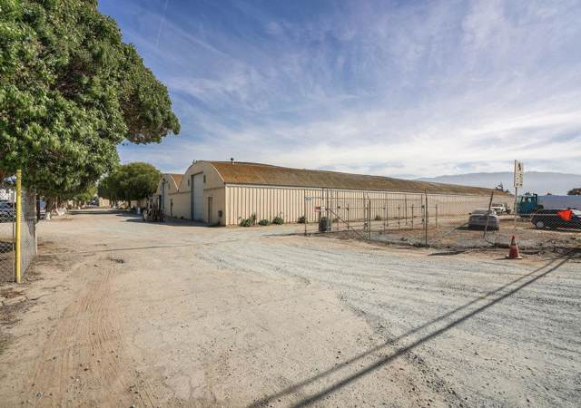 24000 Potter Rd, Salinas, CA 93908 (#ML81752678) :: The Kulda Real Estate Group