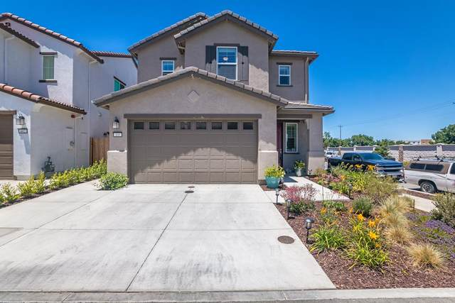 400 Stork Ln, Hollister, CA 95023 (#ML81798504) :: Alex Brant Properties