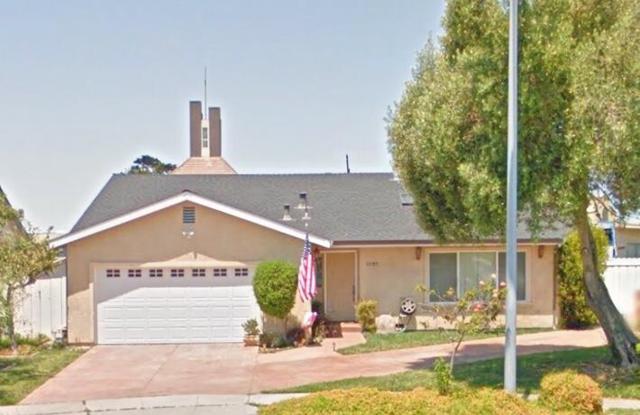 1249 La Canada Way, Salinas, CA 93901 (#ML81694831) :: The Dale Warfel Real Estate Network