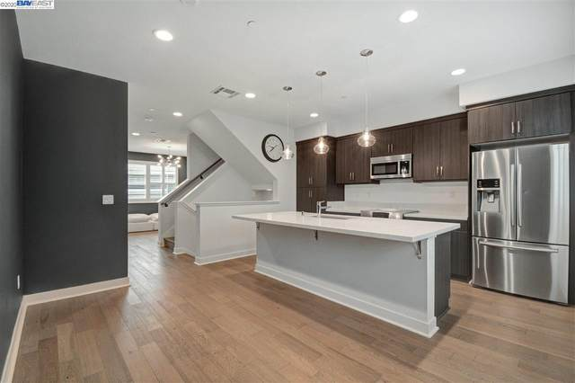 1431 Pullman Way, Oakland, CA 94607 (#BE40917803) :: Real Estate Experts