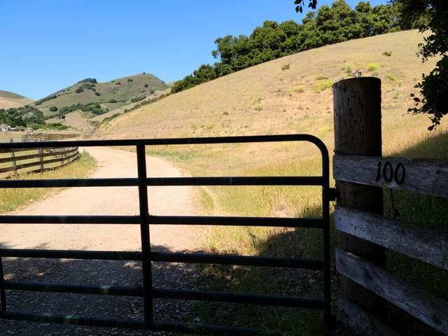 100 Old Stage Road, Salinas, CA 93908 (#ML81844229) :: Schneider Estates