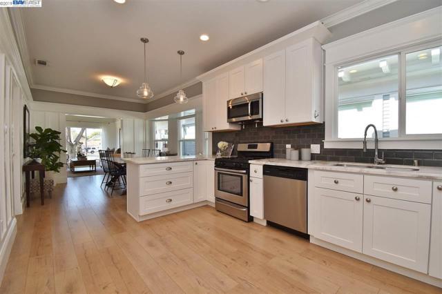 717 Lincoln Ave, Alameda, CA 94501 (#BE40863954) :: Julie Davis Sells Homes