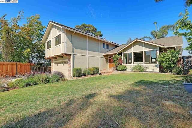 3975 Sugarbush Ln, Castro Valley, CA 94546 (#BE40956989) :: Strock Real Estate