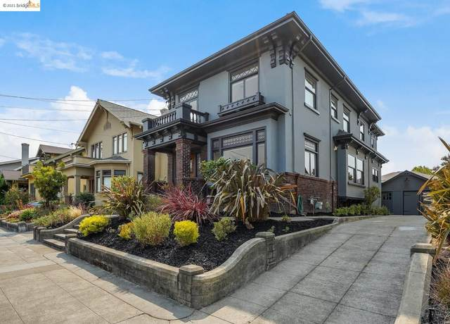 5669 Ocean View Dr, Oakland, CA 94618 (#EB40964059) :: The Kulda Real Estate Group