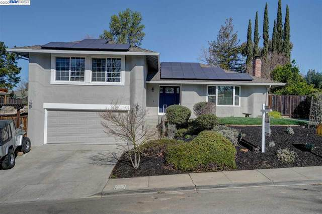 1104 Concord St, Pleasanton, CA 94566 (#BE40896969) :: Real Estate Experts