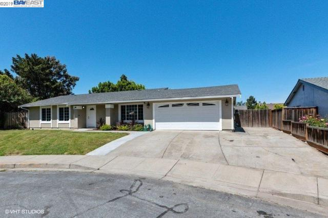 4565 Santee Rd, Fremont, CA 94555 (#BE40863891) :: Strock Real Estate