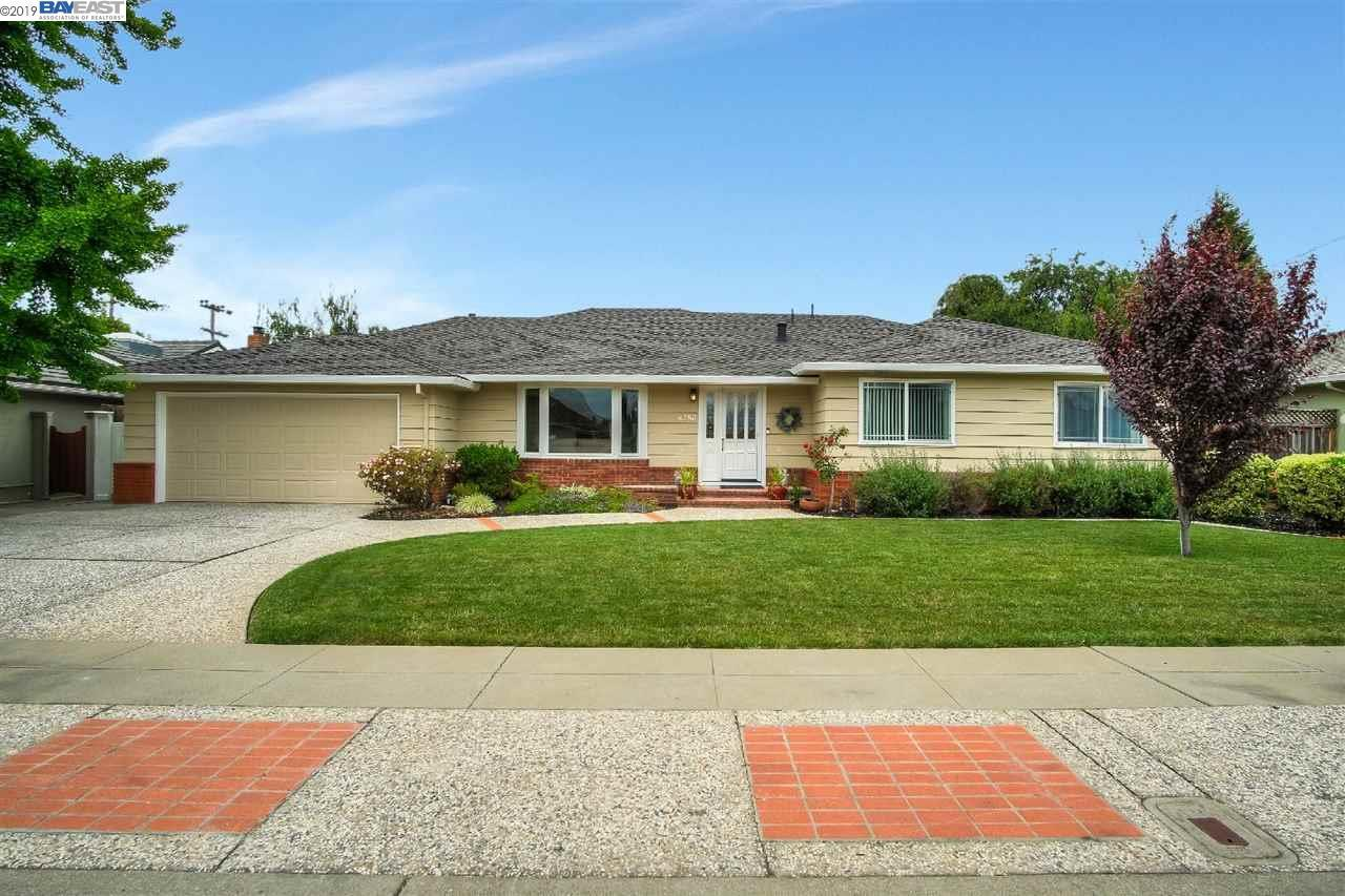 4253 Canfield Dr - Photo 1