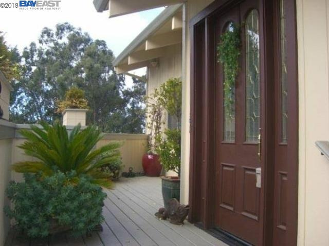6705 Oakwood Dr, Oakland, CA 94611 (#BE40822119) :: The Gilmartin Group