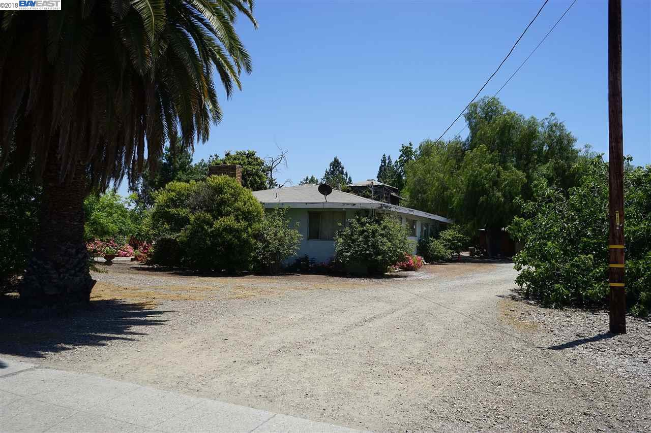 3655 East Ave - Photo 1