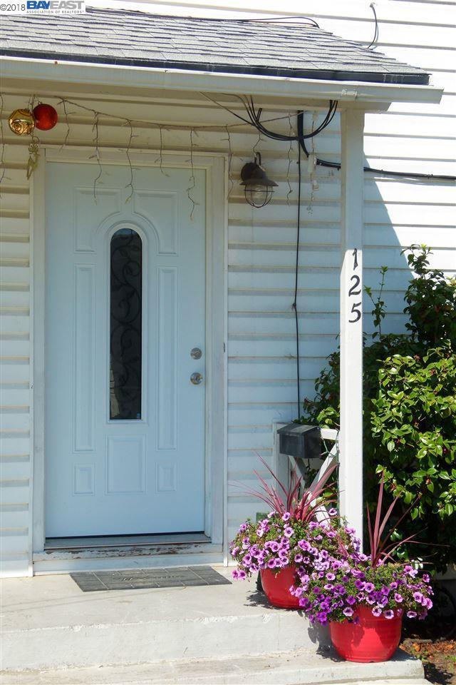 125 Collins St, Richmond, CA 94801 (#BE40836834) :: Intero Real Estate