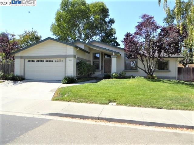 7986 Shannon Ct, Dublin, CA 94568 (#BE40838055) :: Julie Davis Sells Homes