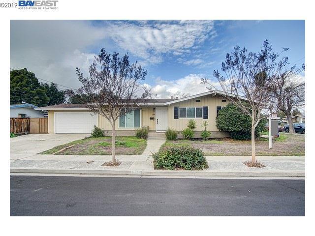 1758 Spruce St, Livermore, CA 94551 (#BE40852178) :: Julie Davis Sells Homes