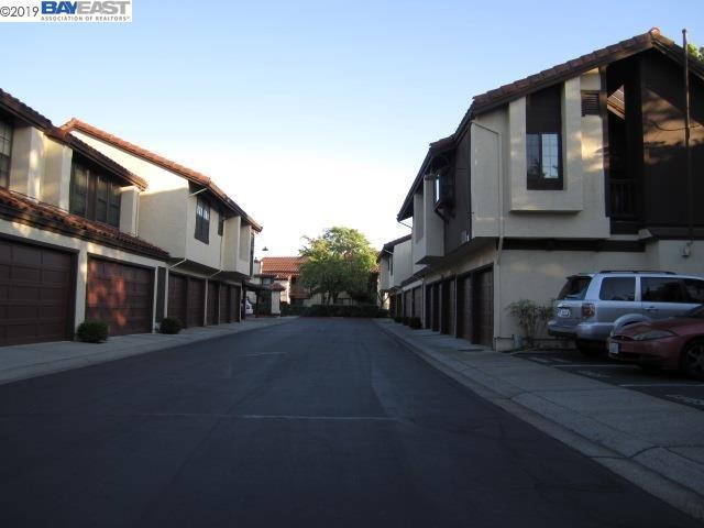14419 Seagate Dr, San Leandro, CA 94577 (#BE40865254) :: Strock Real Estate