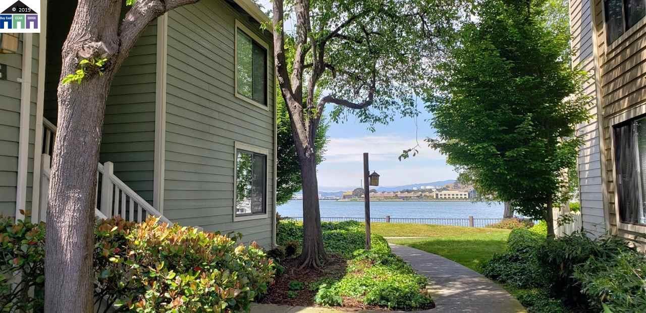 152 Lakeshore Court - Photo 1