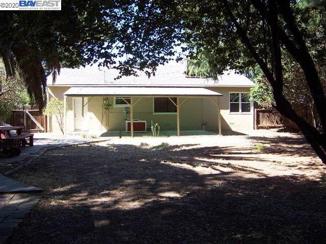 222 E Carlton Way, Tracy, CA 95376 (#BE40892779) :: The Gilmartin Group