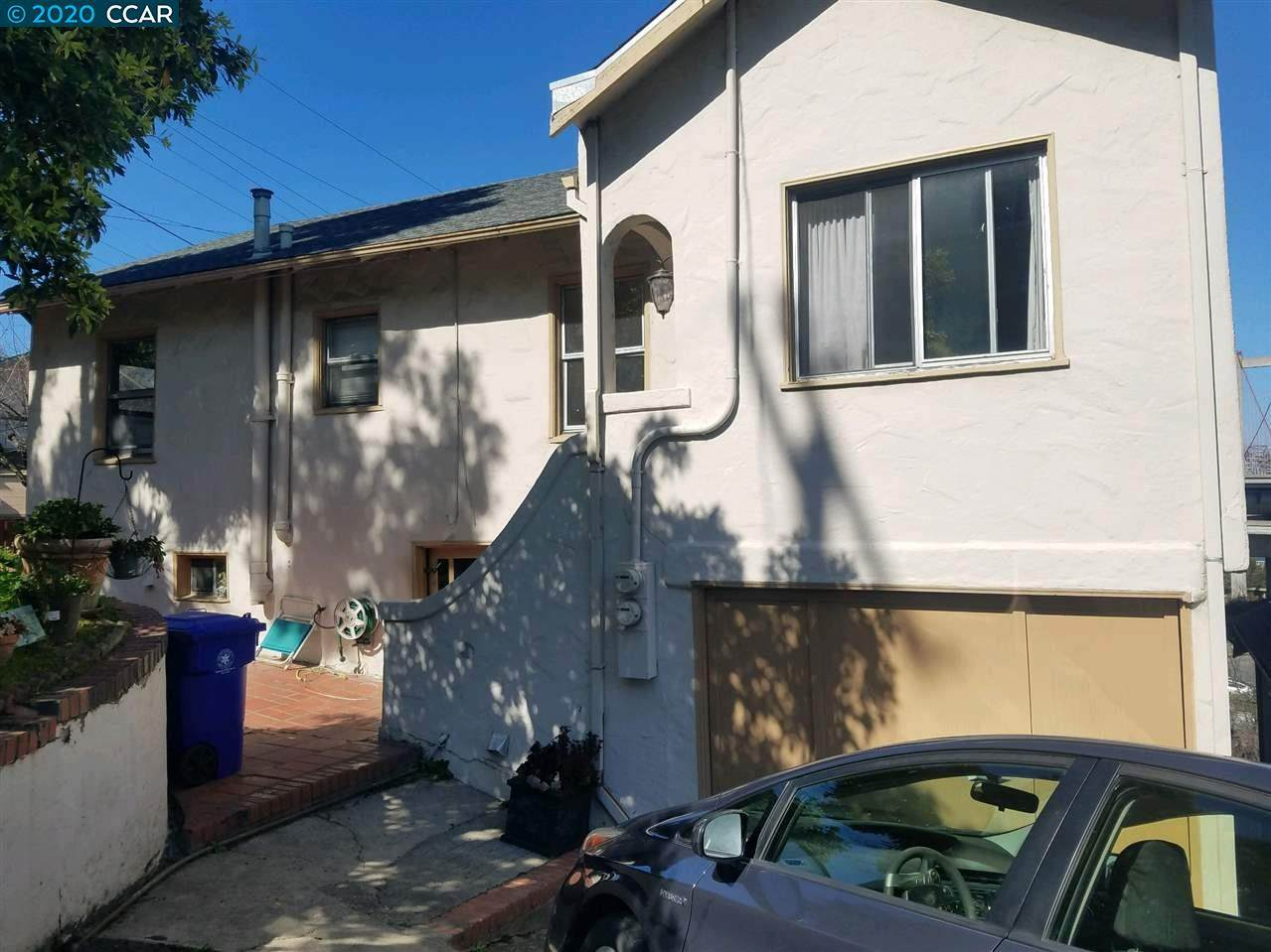 837 7Th Ave - Photo 1