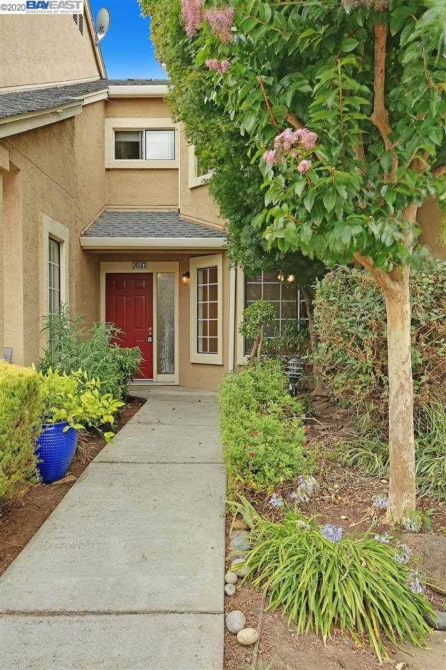 24583 Diamond Ridge Dr, Hayward, CA 94544 (#BE40915535) :: The Sean Cooper Real Estate Group