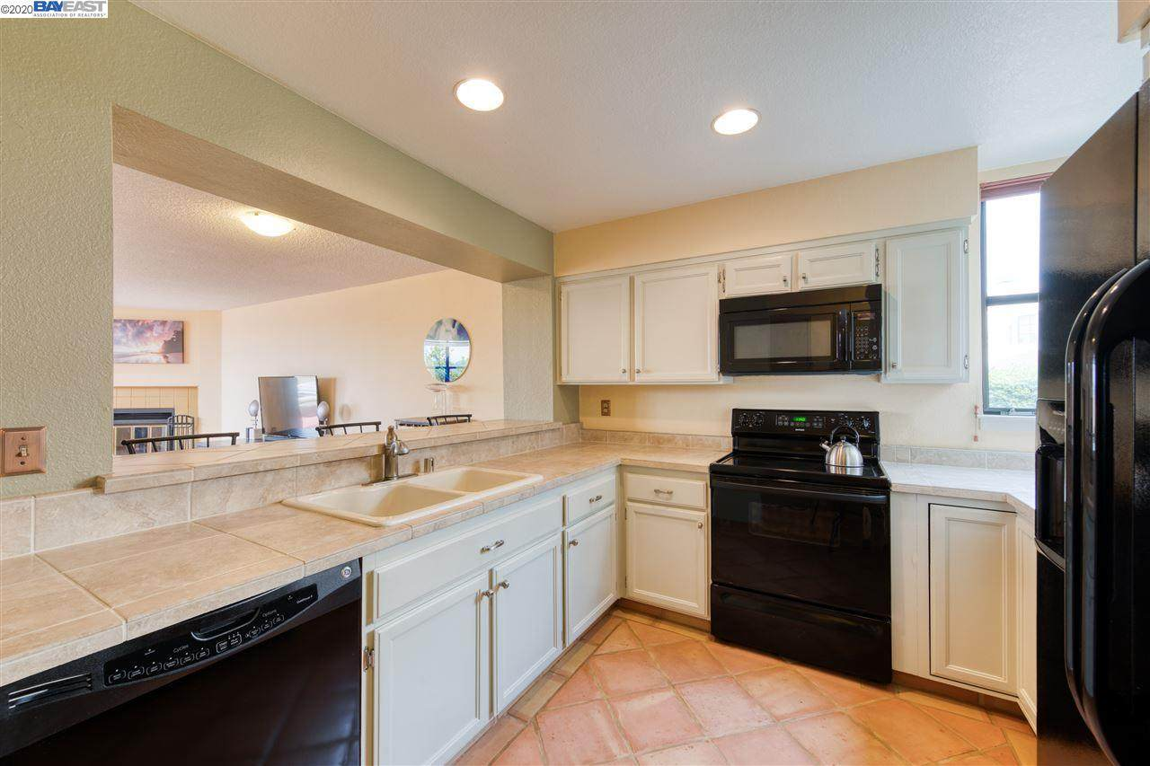 171 Nantucket Ln - Photo 1