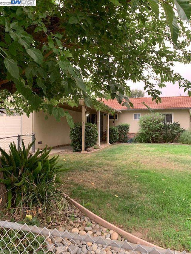 806 Nightingale Street, Livermore, CA 94551 (#BE40920232) :: Real Estate Experts