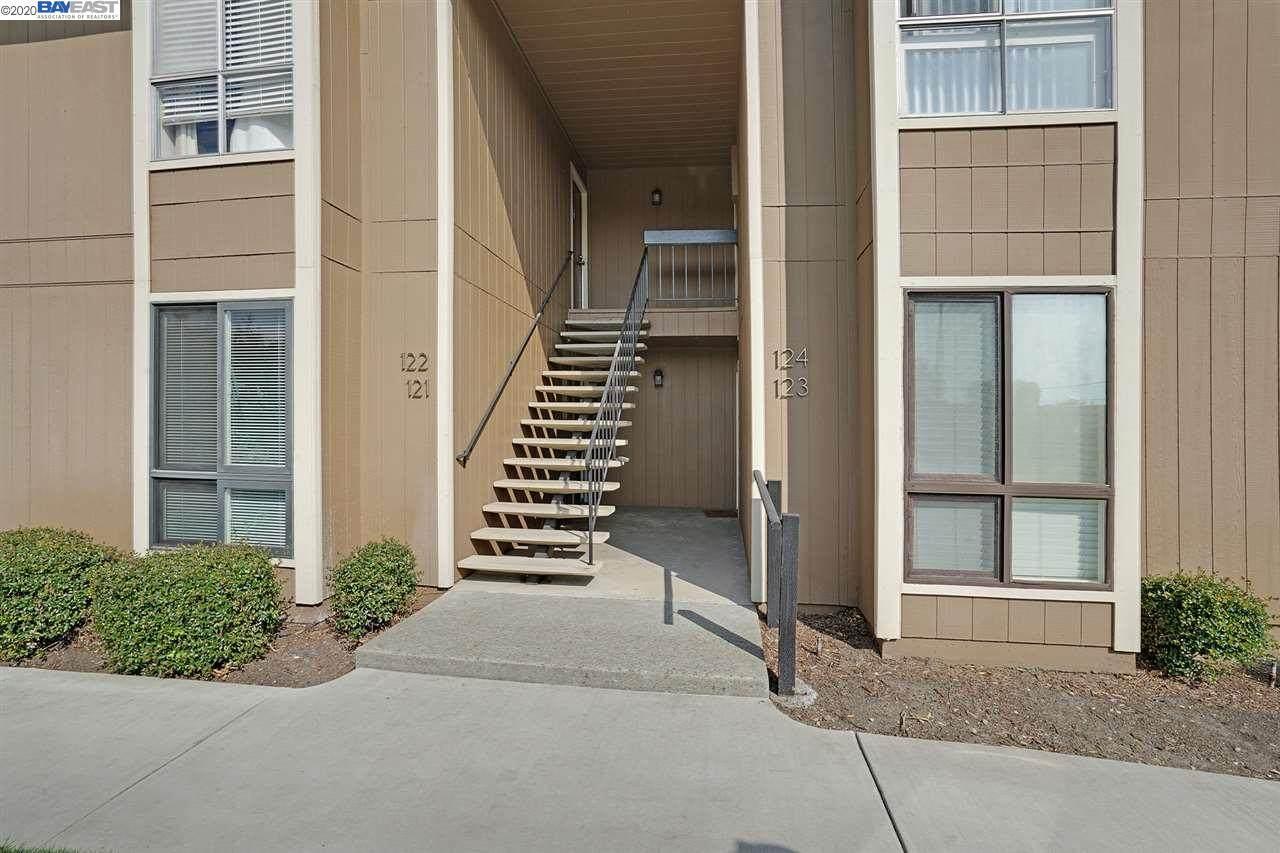 8975 Alcosta Blvd 121 - Photo 1