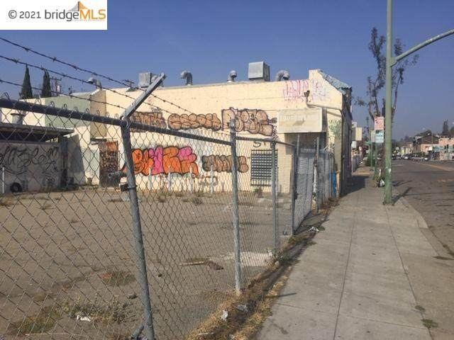 8301 Macarthur Blvd, Oakland, CA 94605 (#MR40937497) :: Robert Balina | Synergize Realty