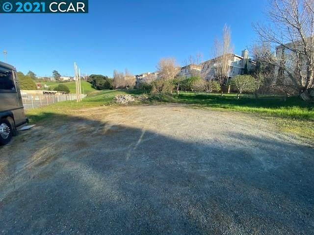 3900 Hillcrest Rd, El Sobrante, CA 94803 (MLS #CC40942119) :: Compass