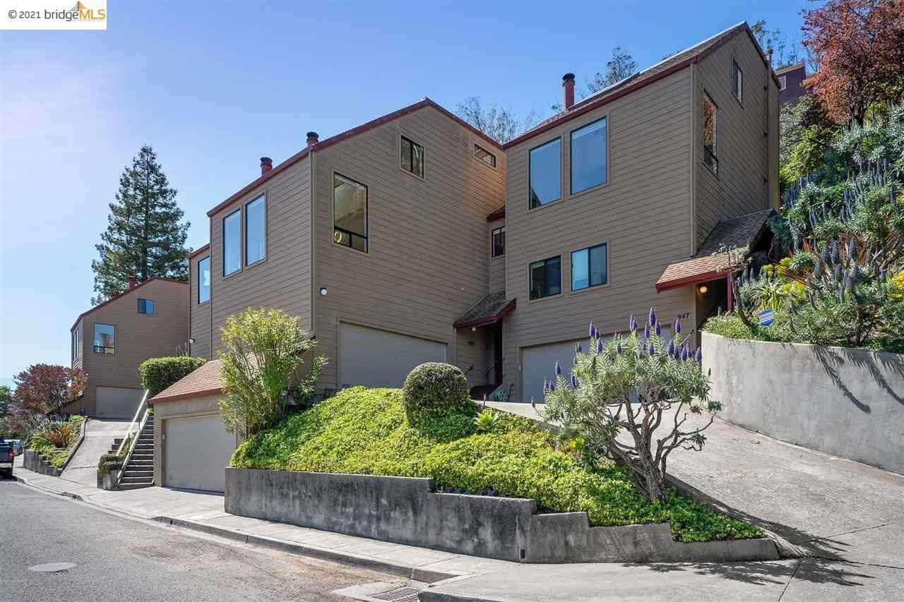 945 Hillside Ave - Photo 1