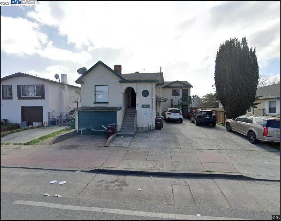 6423 Bancroft Ave - Photo 1