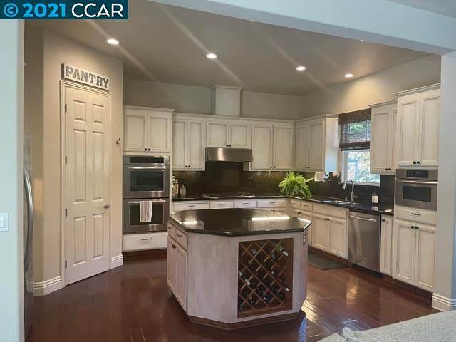 6 Pardi Lane, Clayton, CA 94517 (#CC40949314) :: Schneider Estates