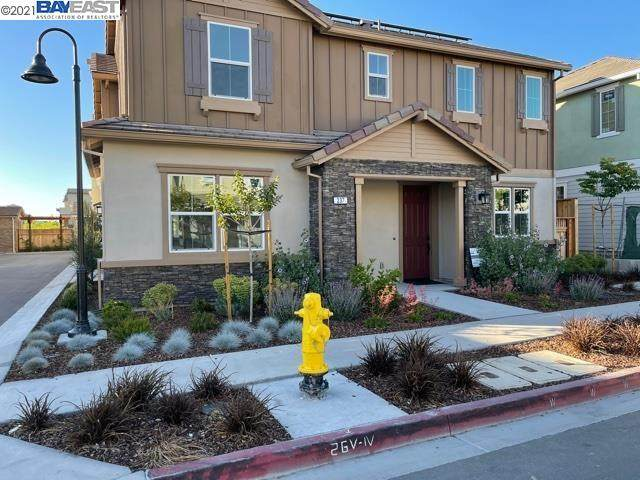 237 Staircase Falls Common, Fremont, CA 94539 (#BE40951912) :: Paymon Real Estate Group