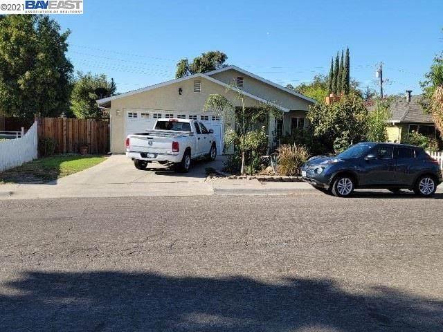 438 W 23Rd St, Tracy, CA 95376 (#BE40965634) :: Alex Brant
