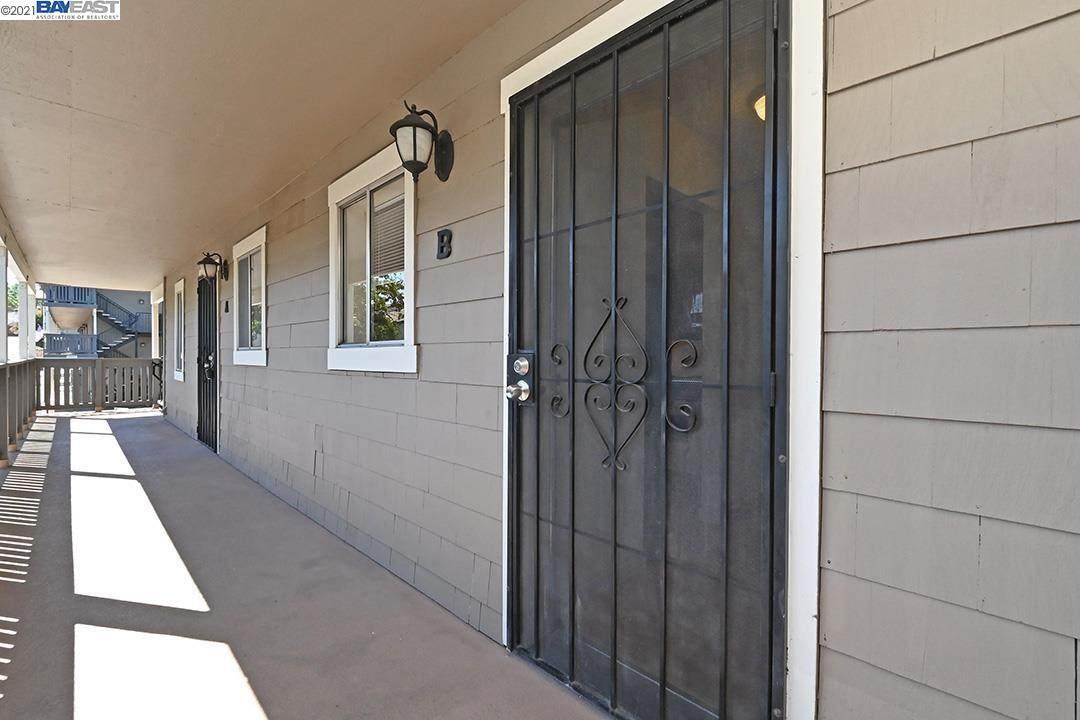 3845 Vineyard Ave B - Photo 1