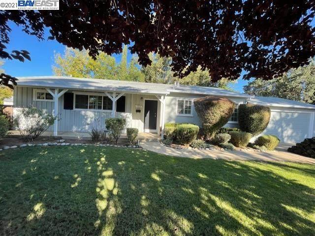 1313 Dennis Cir, Concord, CA 94518 (#BE40971590) :: The Sean Cooper Real Estate Group
