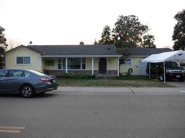 1516 Portola Ave, Stockton, CA 95209 (#ML81699910) :: The Warfel Gardin Group