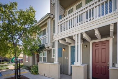 634 NE True Wind Way 807, Redwood City, CA 94063 (#ML81701649) :: Brett Jennings Real Estate Experts