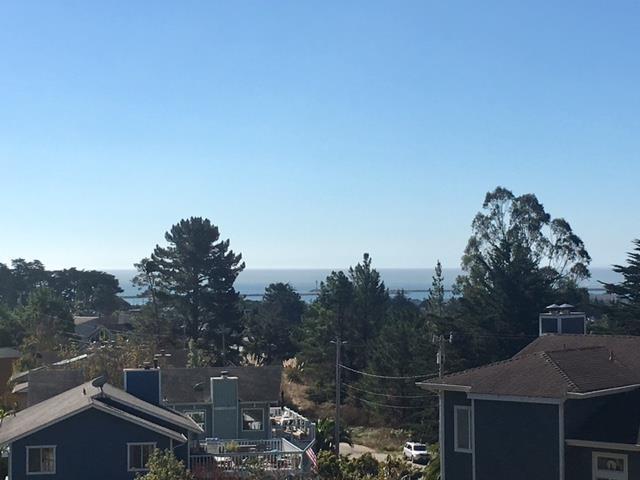 000 El Dorado Ave, El Granada, CA 94018 (#ML81707848) :: The Kulda Real Estate Group
