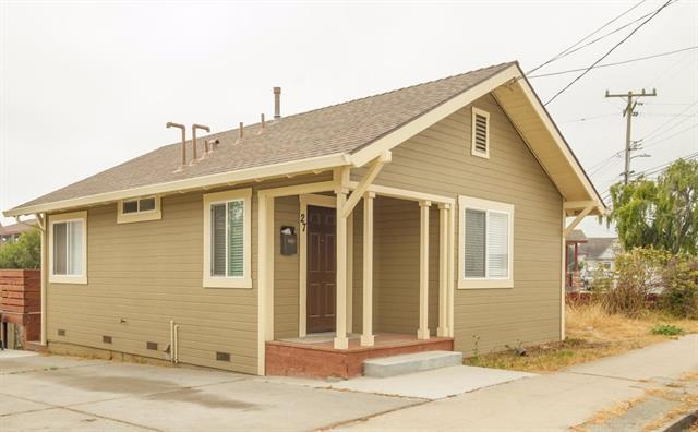 27 Capitol St, Salinas, CA 93901 (#ML81709002) :: The Kulda Real Estate Group