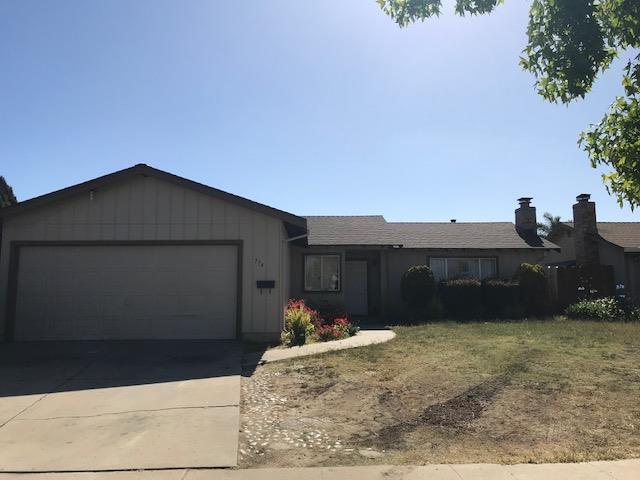 774 Circle Dr, Salinas, CA 93905 (#ML81710372) :: Julie Davis Sells Homes