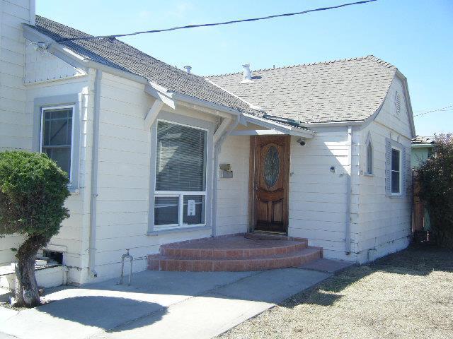 932 Pajaro St, Salinas, CA 93901 (#ML81711071) :: Intero Real Estate