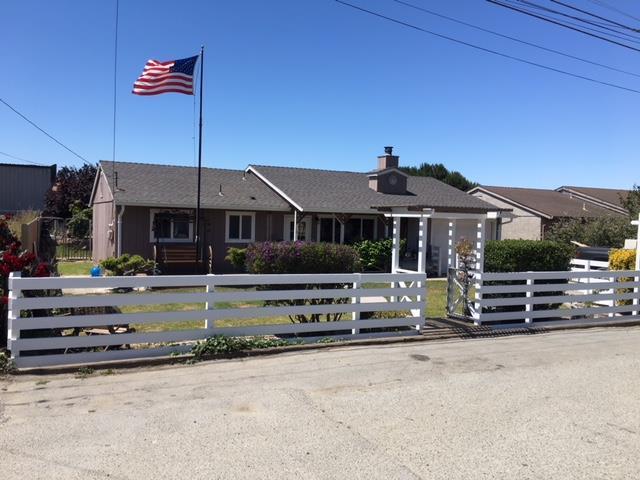 16 Muroc St, Salinas, CA 93907 (#ML81711265) :: Strock Real Estate