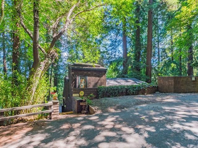 17745 Ogallala Warpath Rd, Los Gatos, CA 95033 (#ML81715580) :: Intero Real Estate