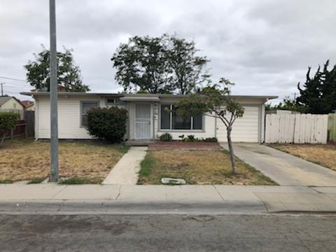 18 Bardin Cir, Salinas, CA 93905 (#ML81720839) :: The Gilmartin Group