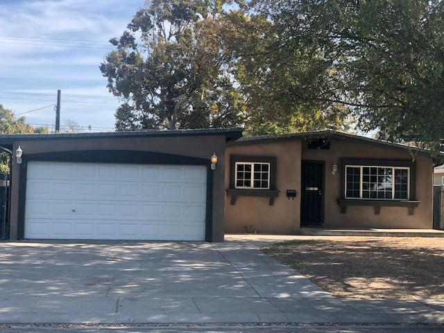 320 Cowell Ave, Manteca, CA 95336 (#ML81729520) :: The Kulda Real Estate Group